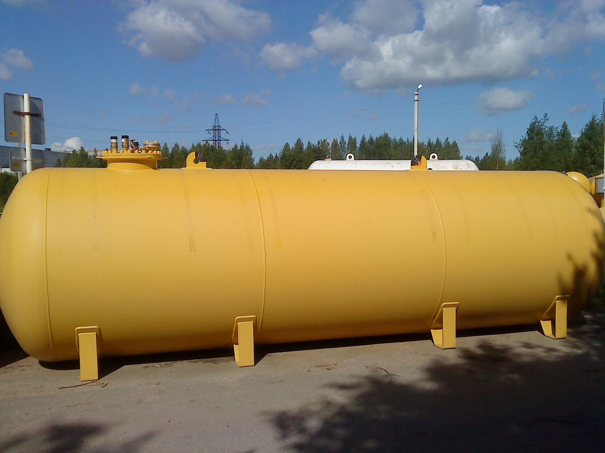 Подземный газгольдер 20 м3 с люком 500 мм. и диаметром 2000 мм.